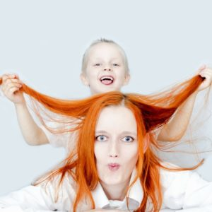 Mamą być nie jest łatwo –  o emocjach, które w matkach budzą zakłopotanie.